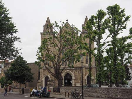 LONDEN, UK - CIRCA JUNI 2017: De Pentecostal kerk van Kensington in Notting Hill