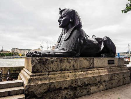 esfinge: LONDON, UK - CIRCA JUNE 2017: Egyptian sphinx on the bank of river Thames (high dynamic range)