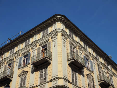 TURIN, ITALY - CIRCA AUGUST 2017: Typical 19th century residential architecture Banco de Imagens - 90643039