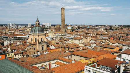 Aerial view of the city of Bologna, Italy 免版税图像