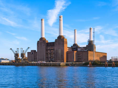 The Battersea Power Station in London, UK Reklamní fotografie - 114581220