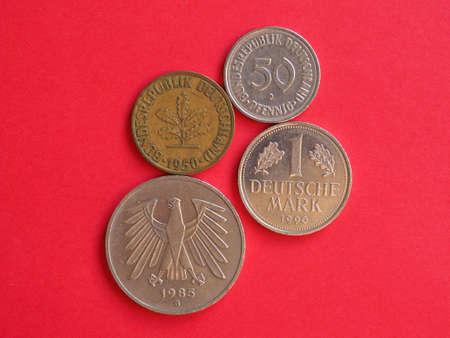 Many vintage deutsche Mark coins from Germany Standard-Bild - 117555662