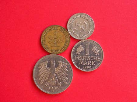 Many vintage deutsche Mark coins from Germany Standard-Bild - 117558040