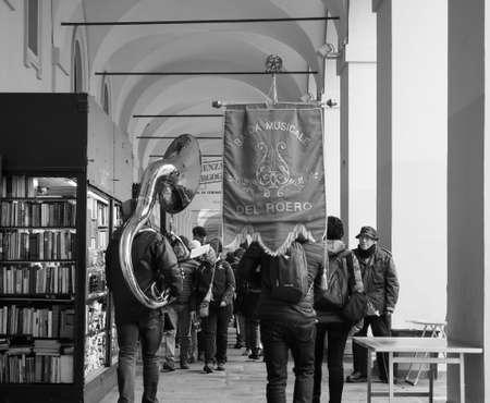 TURIN, ITALY - CIRCA DECEMBER 2018: Banda del Roero marching band in black and white Banco de Imagens - 119112942