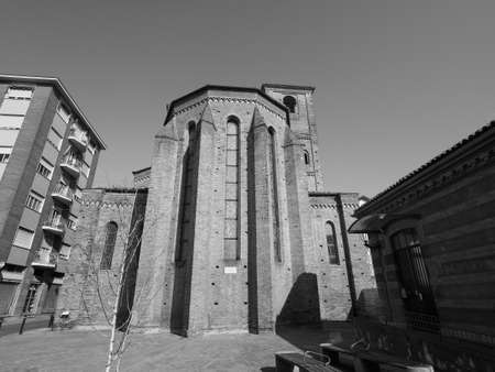 The San Domenico church in Alba, Italy in black and white 版權商用圖片