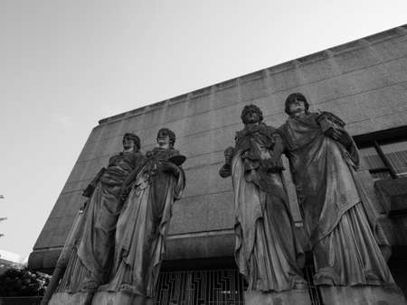 Karyatiden (meaning Caryatids) in front of the Kunsthalle (Art Gallery) by Leo Muesch unveiled in1879 in Duesseldorf, Germany in black and white Banco de Imagens