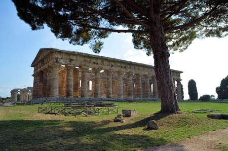 南イタリアの古代ギリシャの寺院 写真素材