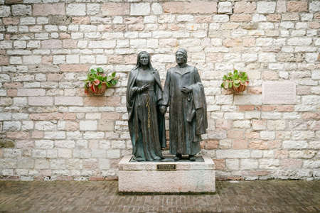 st  francis: Monument dedicated to the parents of St. Francis of Assisi