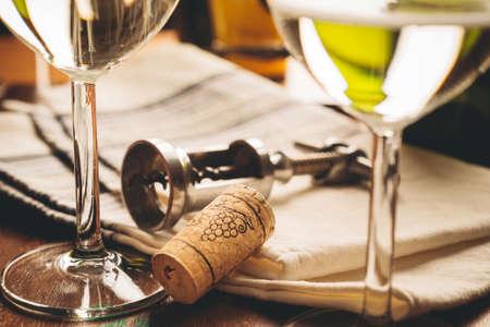 uncork: cork and bottle opener - wine