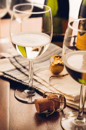 the opener: cork and bottle opener - wine