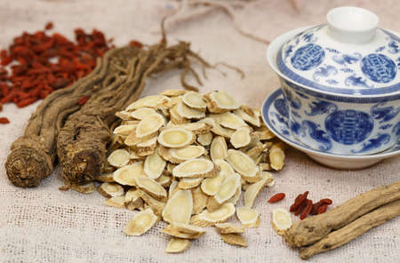 collocation: Chinese Medicine?  Nourishing herbs   ?All kinds of nourishing herbs still lifes close-up