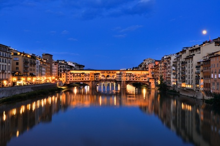 ponte vecchio: Ponte Vecchio bridge Florence Italy