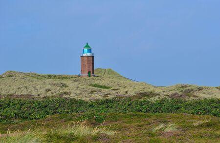 ドイツのズィルト島カンペンのマーキング灯台をクロスします。