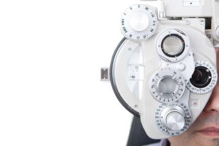 vision test: primer plano de la medici�n de la vista con una for�ptero �ptico Foto de archivo