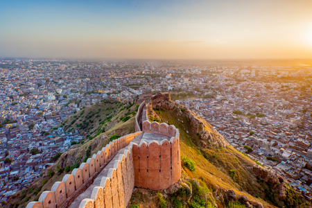 Aerial view of Jaipur from Nahargarh Fort at sunset Фото со стока - 69455235