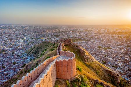 Veduta aerea di Jaipur da Nahargarh Fort al tramonto Archivio Fotografico - 69455235