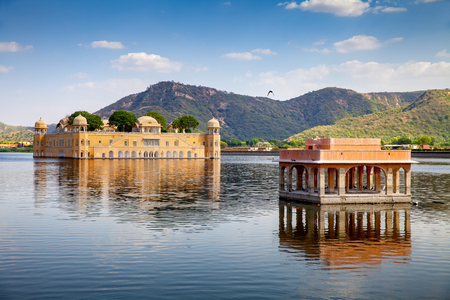 Jal Mahal (Water Palace) in Man sagar Lake, Jaipur, India. 免版税图像