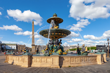 Fountain at the Place de la Concorde, Paris, France 報道画像