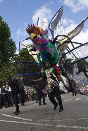 notting: El protagonista de la carroza Internacional del Sol en el Carnaval de Notting Hill 30 de agosto 2010 en Notting Hill, Londres.