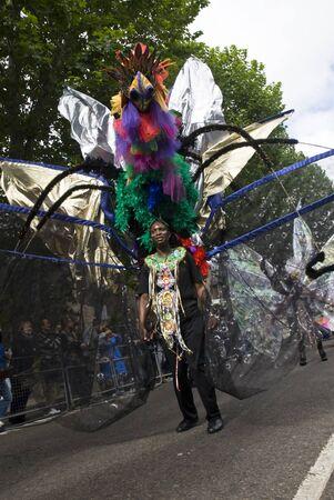 notting hill: Performer dal galleggiante Sunshine International al Carnevale di Notting Hill 30 Ago 2010 a Notting Hill, Londra. Editoriali