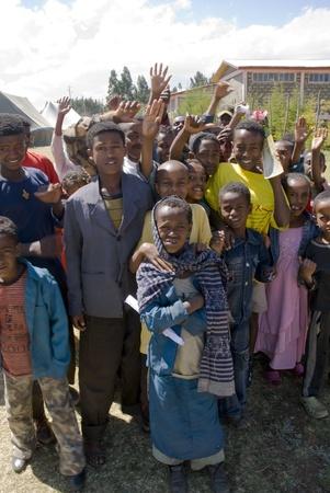 I bambini Posa Dietro le quinte in occasione della Giornata mondiale contro l'AIDS in Evento Fitche