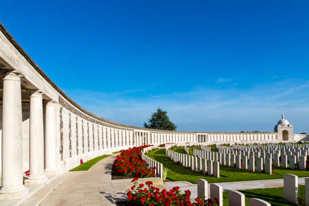 Tyne Cot World War One Cemetery, the largest British War cemetery in the world. near Ypres, Flanders, Zonnebeke, Belgium 스톡 콘텐츠