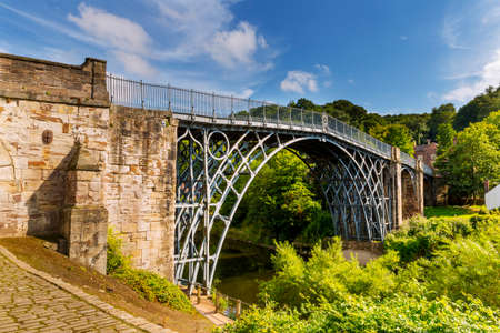 The Iron Bridge over the River Severn, Ironbridge Gorge, Shropshire, England. Banque d'images