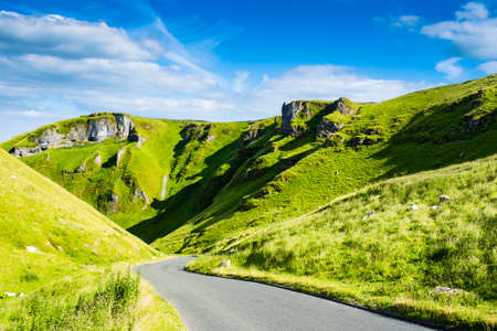 Winnats Pass, Peak District National Park, Derbyshire, England, UK 스톡 콘텐츠