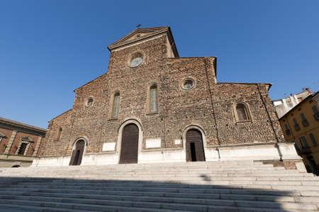 ファエンツァ (イタリア、エミリア = ロマーニャ州、ラヴェンナ) - 大聖堂のファサード (16 世紀のルネッサンス時代)