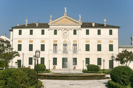 veneto: Riviera del Brenta (Veneto, Italy) - Historic villa Editorial