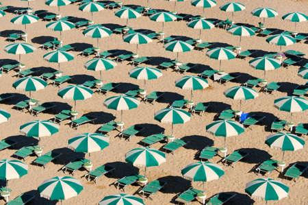 テルモリ (イタリア ・ モリーゼ州、カンポバッソ) - 朝のビーチ