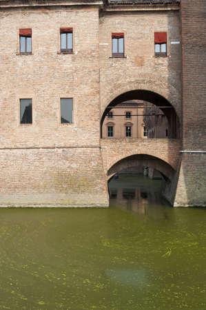 14th: Ferrara (Emilia-Romagna, Italia) - El castillo medieval, Castello Estense, del siglo 14