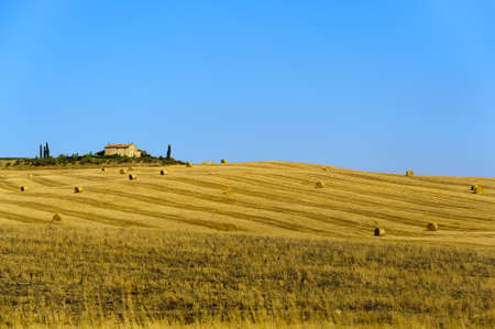 val d      orcia: Typical old farm in Val d Orcia Stock Photo