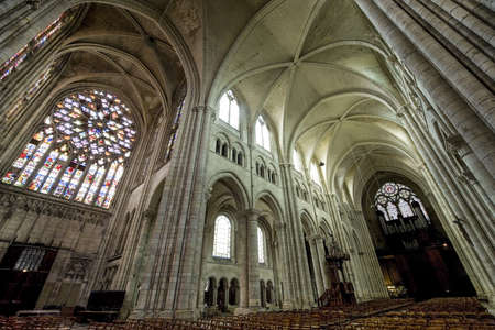 sens: Sens (Yonne, Burgundy, France) - Interior of the Saint-Etienne cathedral, in gothic style