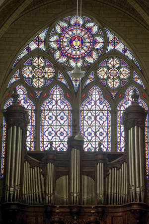 organ: Sens (Yonne, Burgundy, France) - Interior of the Saint-Etienne cathedral, in gothic style, stained glass and organ