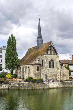sens: Sens (Yonne, Burgundy, France) - Ancient church on the river