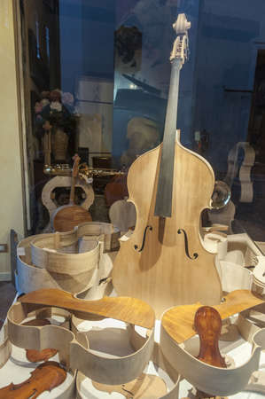 Shop window of a lutist in Cremona (Lombardy, Italy) Stock Photo