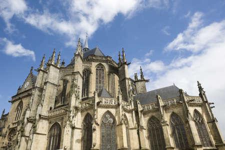 pays: La Ferté-Bernard (Sarthe, Pays de la Loire, France) - Exterior of the gothic church Stock Photo
