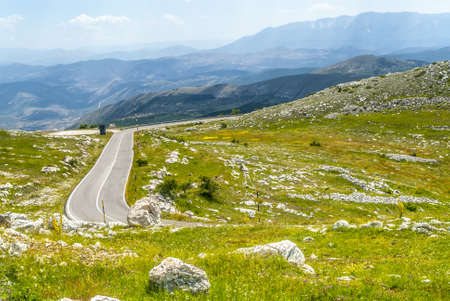 The road of Campo Imperatore  L photo