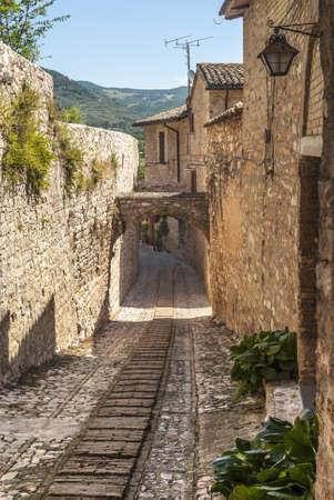 spello: Spello (Perugia, Umbria, Italy) - Typical alley with arch Stock Photo