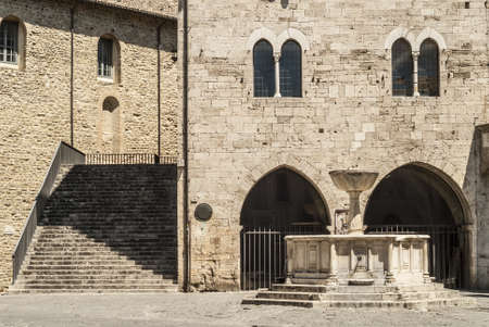 bevagna: Bevagna (Perugia, Umbria, Italy) - Medieval palace and fountain in Silvestri Square
