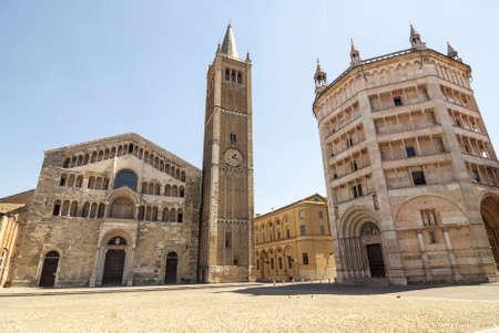 パルマ (エミリア、イタリア)、大聖堂、洗礼堂、街のメイン広場