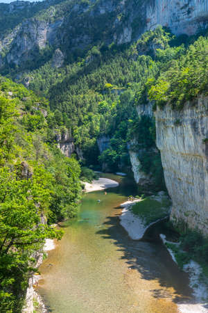 gorges: Gorges du Tarn (Loz�re, Linguedoc-Roussillon, Francia), famoso canyon in estate. Archivio Fotografico