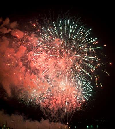 14th: Toulon (Var, Provenza-Alpes-Cote d'Azur, Francia): los fuegos artificiales tradicionales en 14 de julio