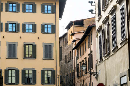 firenze: Florence (Firenze, Tuscany, Italy): windows of historic buildings