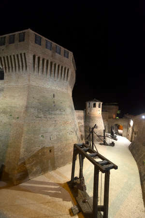 urbino: Mondavio (Pesaro Urbino, Marches, Italy): the medieval walls by night Stock Photo