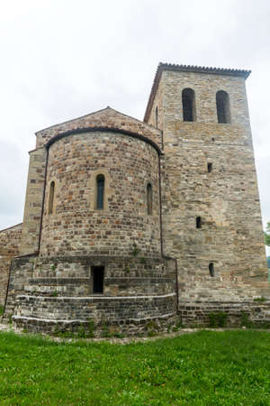 messa: Montefeltro (Marches, Italy): exterior of the medieval church of Ponte Messa