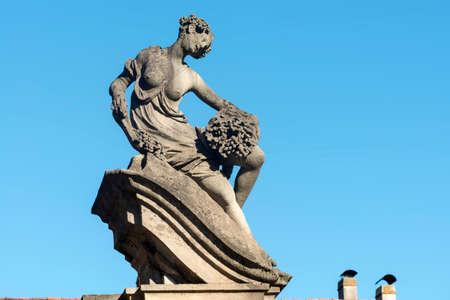 taverna: Canonica al Lambro (Monza e Brianza, Lombardy, Italy): the historic Villa Taverna, statue
