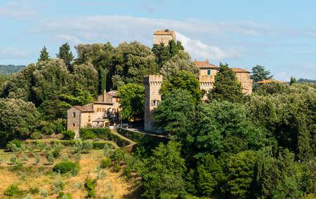Panzano (Firenze, Toscana, Italia), storico villaggio in Chianti, in estate Archivio Fotografico - 38167739