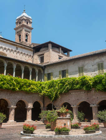cloister: Tolentino (Macerata, Marches, Italy): the cloister of the historic San Nicola church